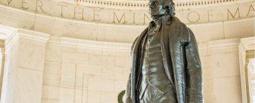 Jefferson statute at Jefferson Memorial