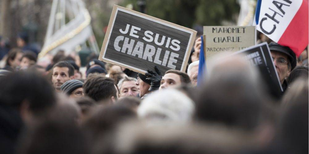 Je suis Charlie demonstration with signs
