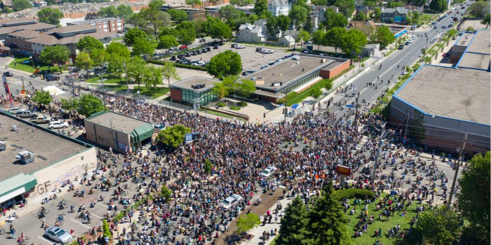 Minneapolis mass street protest