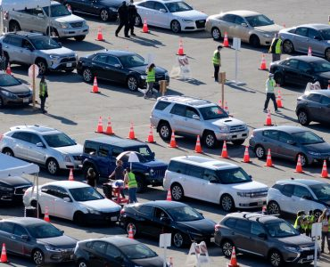 Lines of cars to get vaccine