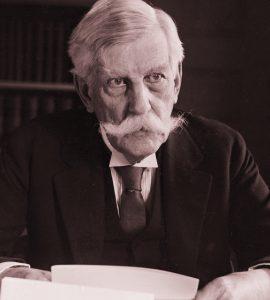 Holmes at desk